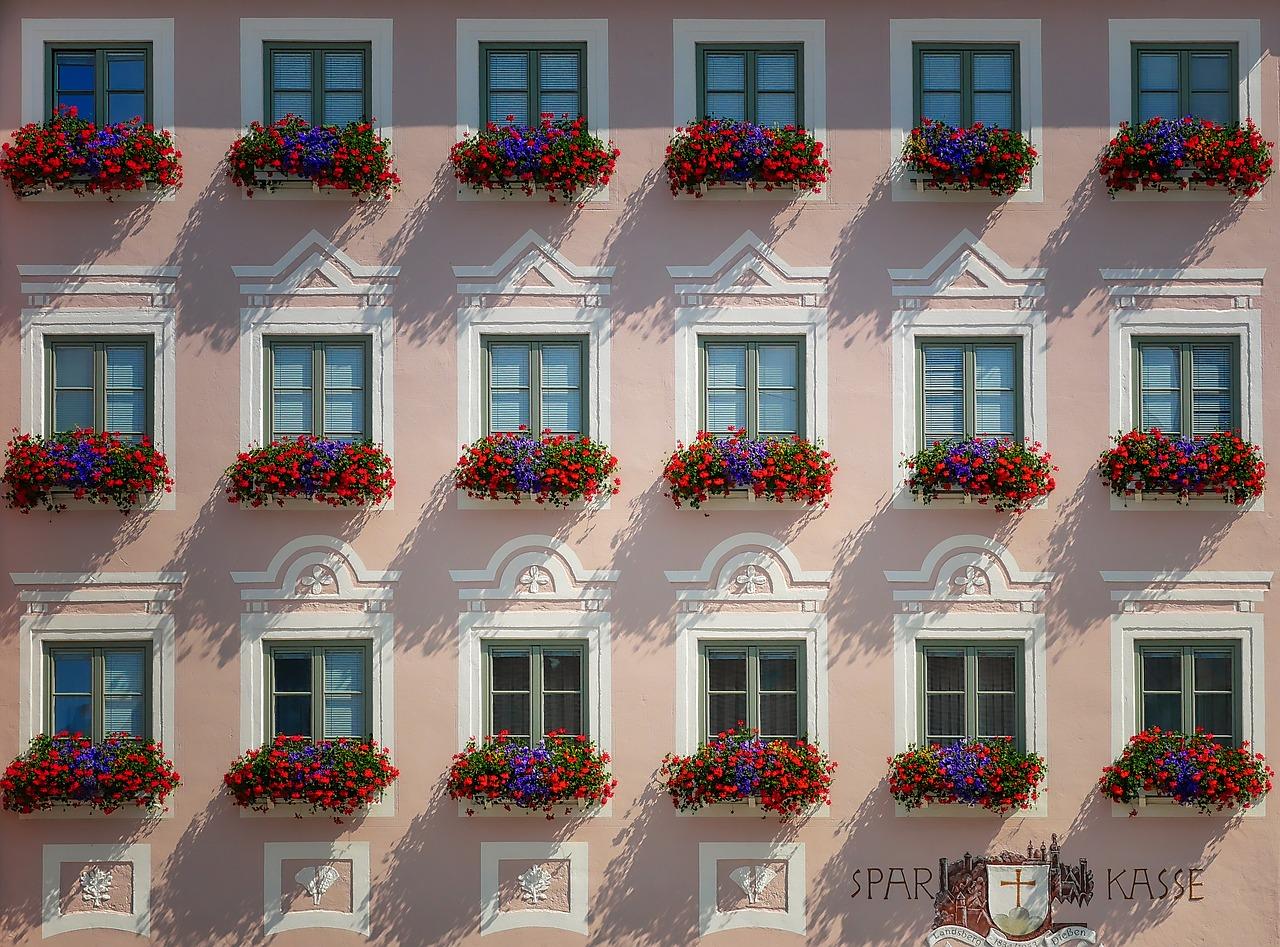 Isolare Acusticamente Una Finestra profili per finestre in pvc: gli unici a isolare l